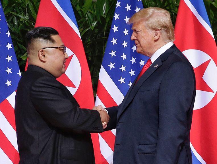 De Noord-Koreaanse leider Kim Jong-un en de Amerikaanse president Donald J. Trump in Singapore. Beeld EPA