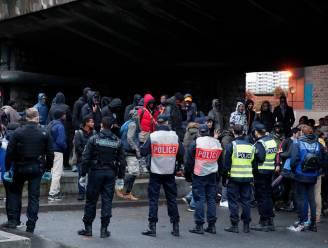 Politie ontruimt opnieuw kamp met 500 migranten in Parijs