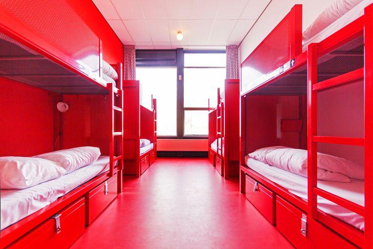 Een bed in een slaapzaal van WOW is er vanaf 15 euro inclusief ontbijt Beeld Sander Groen
