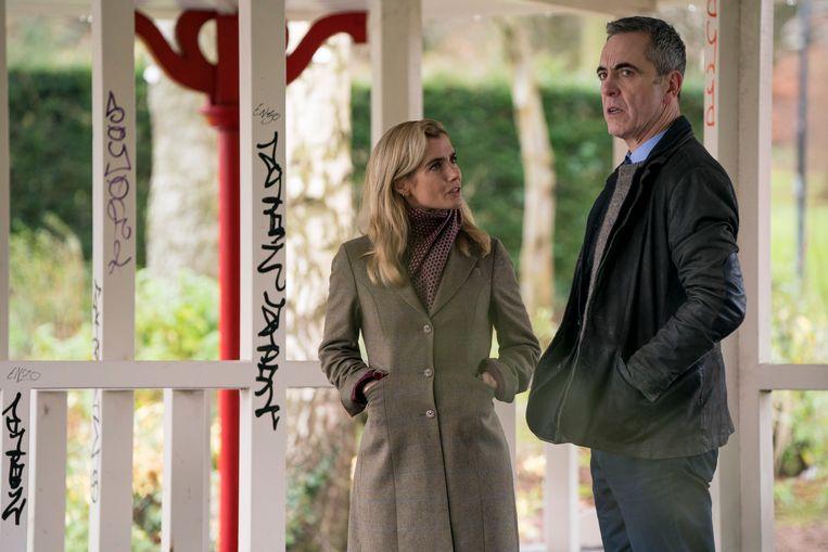 Lisa Dwan (als Tori Matthews) enJames Nesbitt (Tom Brannick) in 'Bloodlands'. Beeld BBC / HTM Televison /Steffan Hill