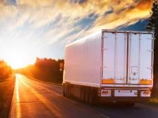 Waarom er vaak een 'kattenluikje' in vrachtwagens zit