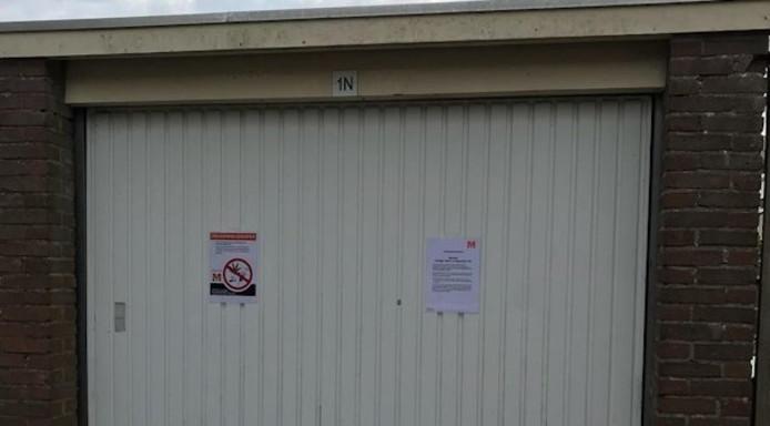 De garagebox werd gesloten na de vondst van harddrugs.