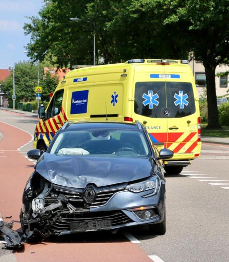 Drie auto's betrokken bij ongeval in Oldenzaal: één persoon naar ziekenhuis
