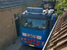 Verkeer dendert door Drimmelens smalste straatje: 'Zelfs vrachtwagens met aanhangers'