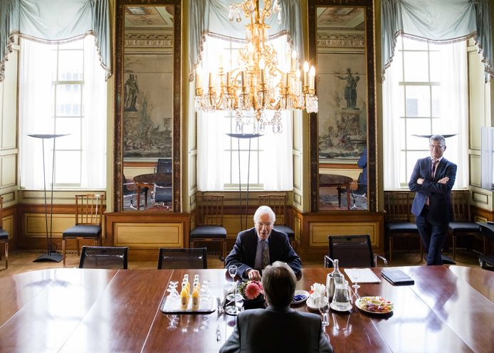 Informateur Tjeenk Willink in gesprek met D66-leider Alexander Pechtold