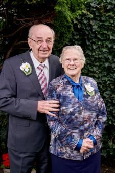 Annie en Harrie al 70 jaar met elkaar getrouwd: 'Hun geheim? Daar probeer ik nog steeds achter te komen'
