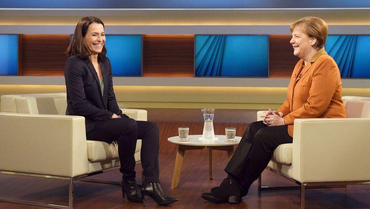 De Duitse bondskanselier Angela Merkel werd zondagavond geïnterviewd in het programma Anne Will van het publieke omroep ARD. Beeld afp