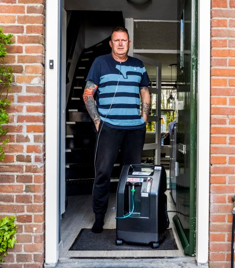 Danny (52) zit thuis aan het zuurstof: 'Blij dat mijn ziekenhuisbed vrij is voor iemand anders'