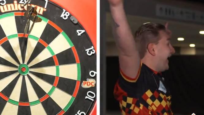 Dimitri Van den Bergh verpulvert record Van Gerwen in spelletje 'Blind Darts'