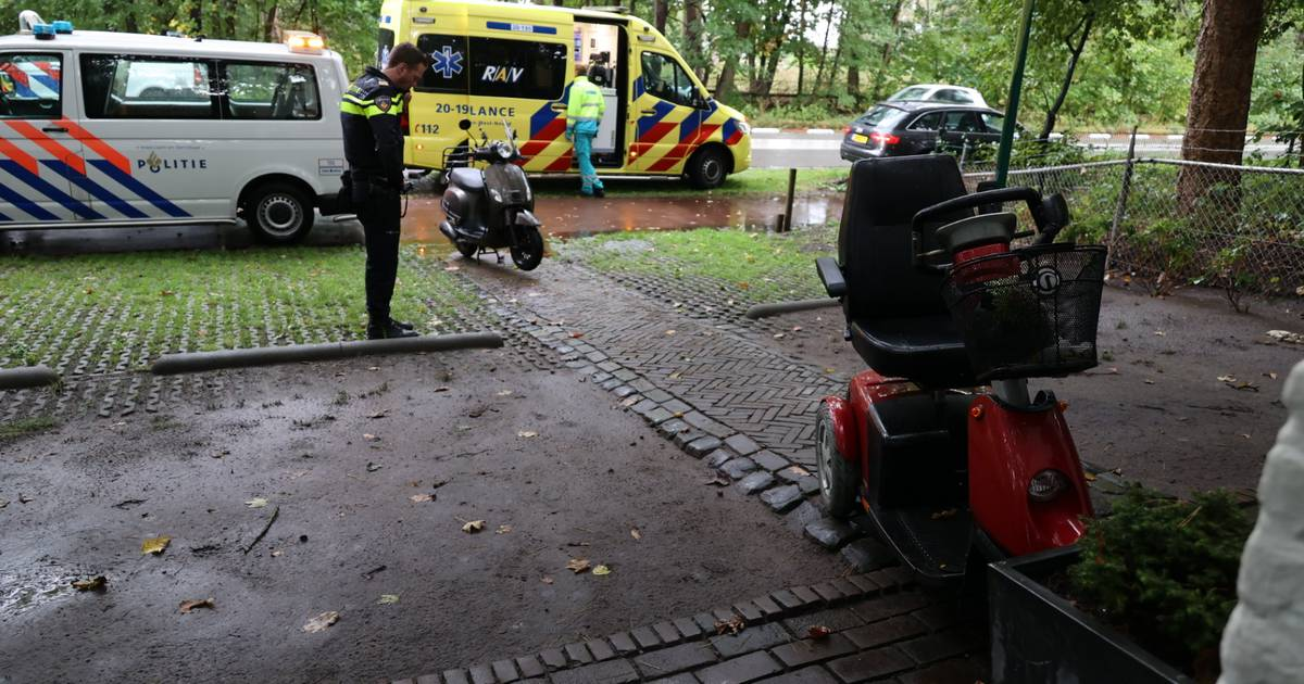 Man op scootmobiel gewond bij aanrijding met scooter in Loon op Zand.