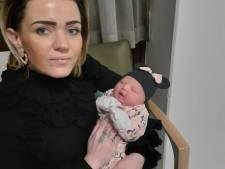 Grote verslagenheid na overlijden Almelose baby Zara-Lizzy in ziekenhuis Bremen