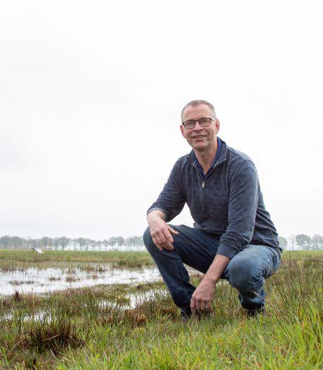 Boer André uit Luttenberg gooit alles in de strijd om kuikens te helpen overleven