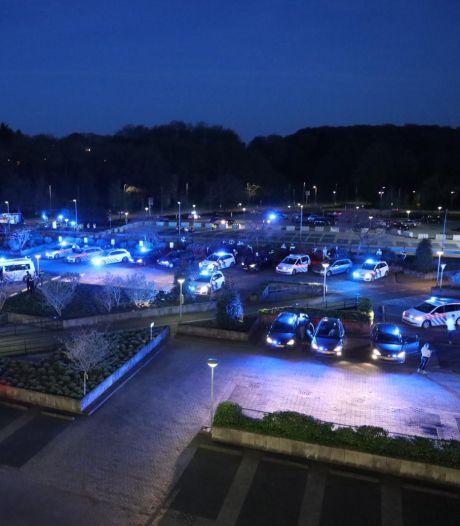 Hartverwarmend: blauwe zee van zwaailichten voor 'helden' van ziekenhuis Rijnstate