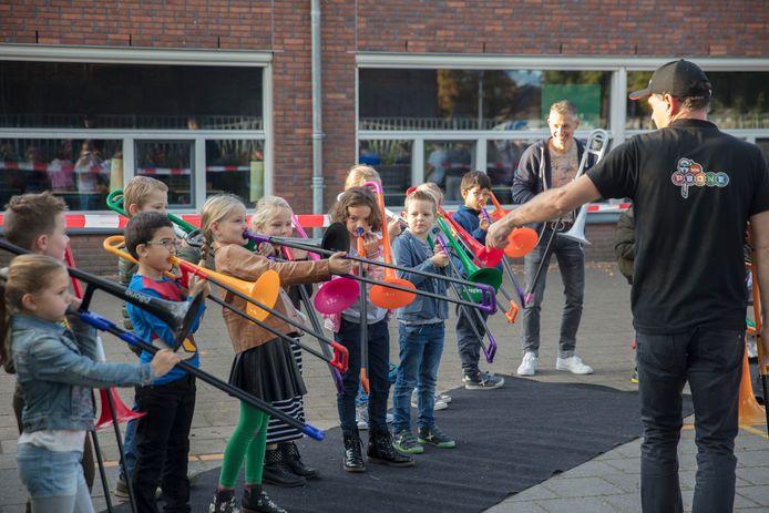 Aftrap muziekproject op openbare basisschool 't Hout in Helmond