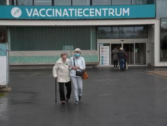 Vaccinatiecentra Wetteren en Wachtebeke draaien op volle toeren en geven 95% van alle 65-plussers een prik