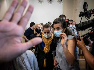"""Valérie Bacot, jugée pour avoir tué son mari, n'avait d'autre """"échappatoire"""", selon des experts"""