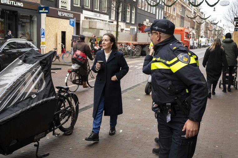 Burgemeester Halsema wil ook online meer gaan handhaven om onrust op straat te voorkomen. Beeld ANP