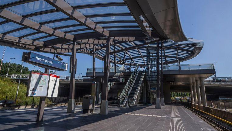 Station Noorderpark Beeld Rink Hof