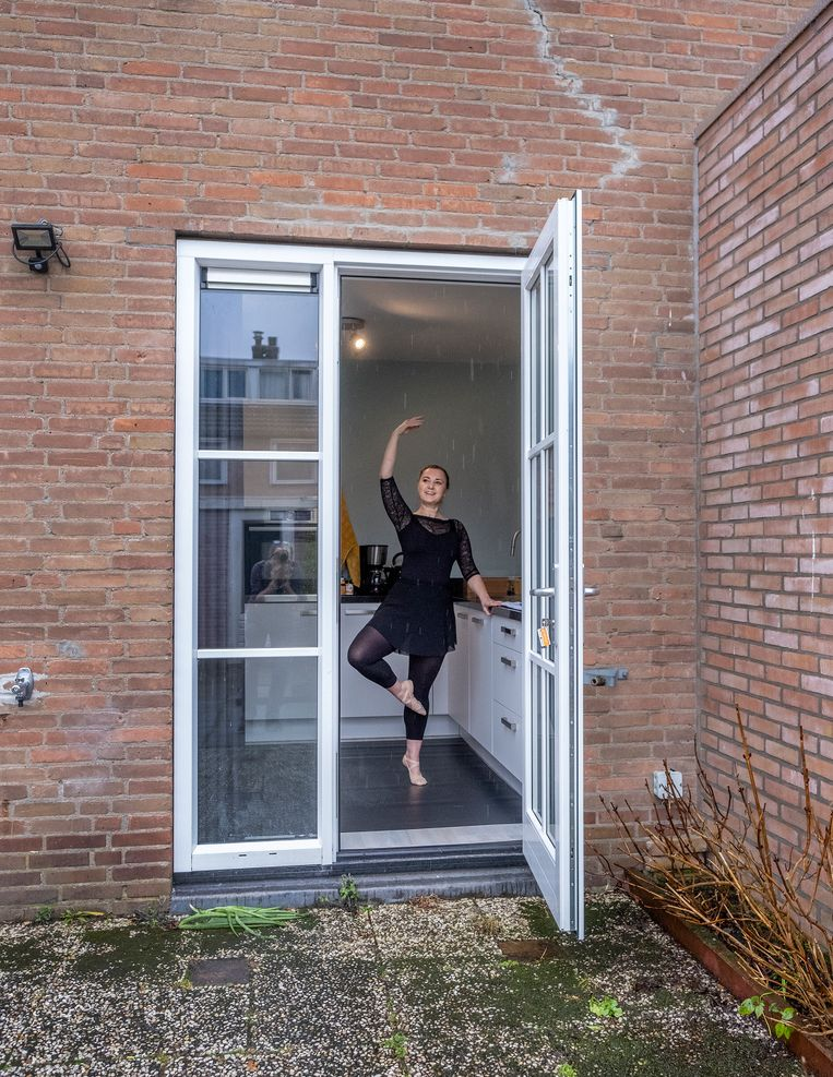 Thuisballerina Roos Steumer. Beeld Patrick Post