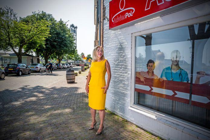 Ewa Szalwinska uit Polen bij haar administratiekantoor AdviesPol.