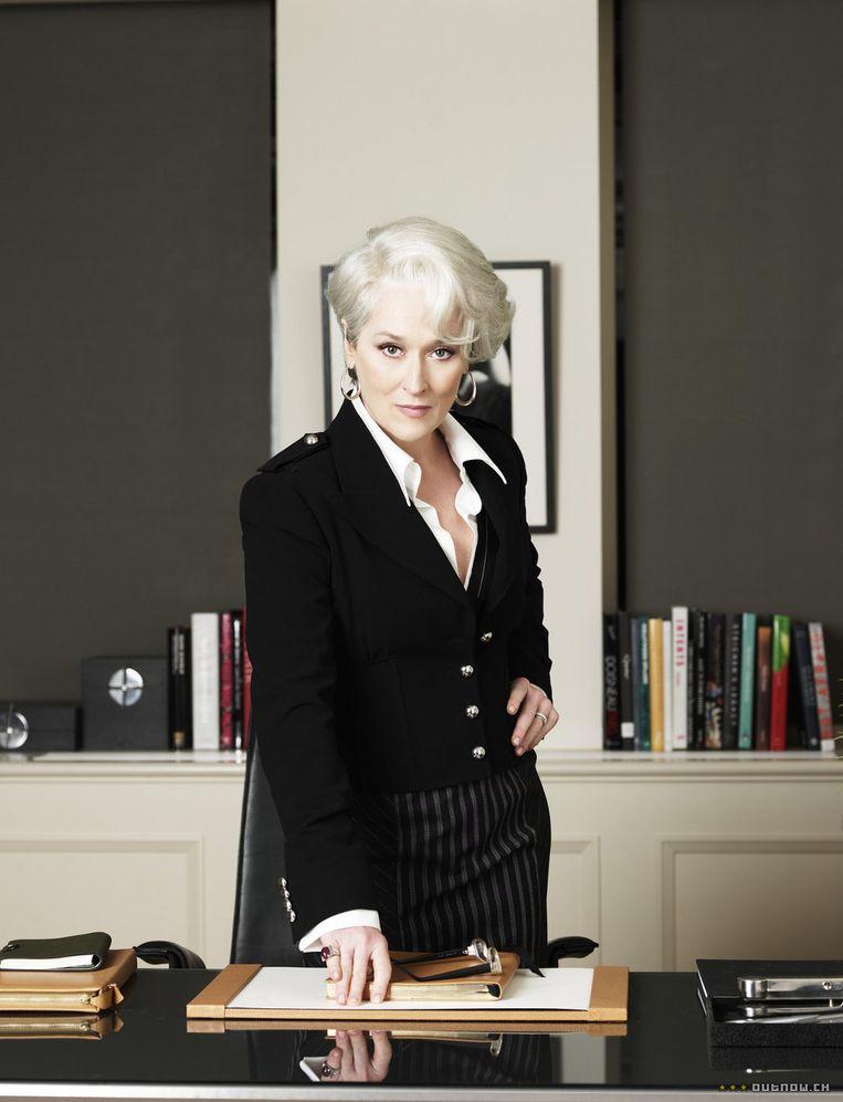 Screenshot uit de film 'the devil wears Prada', waarin de competitieve wereld van de modebladen in beeld wordt gebracht. Beeld anp