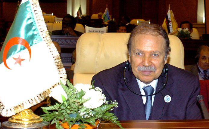 De voormalige Algerijnse president Abdelaziz Bouteflika op archiefbeeld uit 2005.