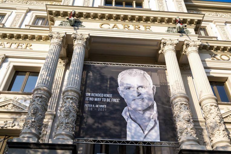 Woensdag opende Carré zijn deuren voor een publiek afscheid van Peter R. de Vries, dat door ongeveer 7.500 mensen werd bezocht. Beeld ANP