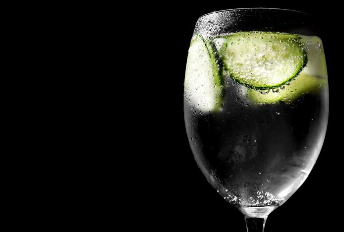 De gin-tonic-hype is voorbij, volgens Tess Posthumus, een van 's werelds beste bartenders. De Hollandse jenever kroont ze tot de nieuwe gin.
