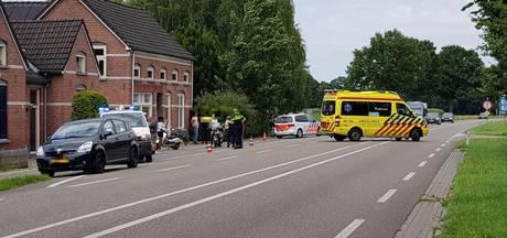 Scooter en fietser gewond bij botsing op Hamelandroute