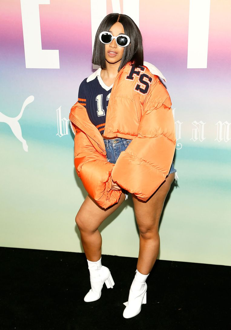 Rapper Cardi B op de Fenty Puma by Rihanna show tijdens New York Fashion Week. In de Billboard Top 100 geeft Cardi B Rihanna deze week wel het nakijken. Beeld WireImage