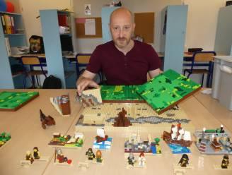"""LEGO Master David (44) leukt lessen op met LEGO: """"Boeiender dan een PowerPointpresentatie"""""""