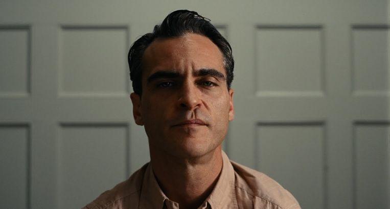 Joaquin Phoenix, hier in The Master, kijkt zijn partners diep in de ogen. Beeld