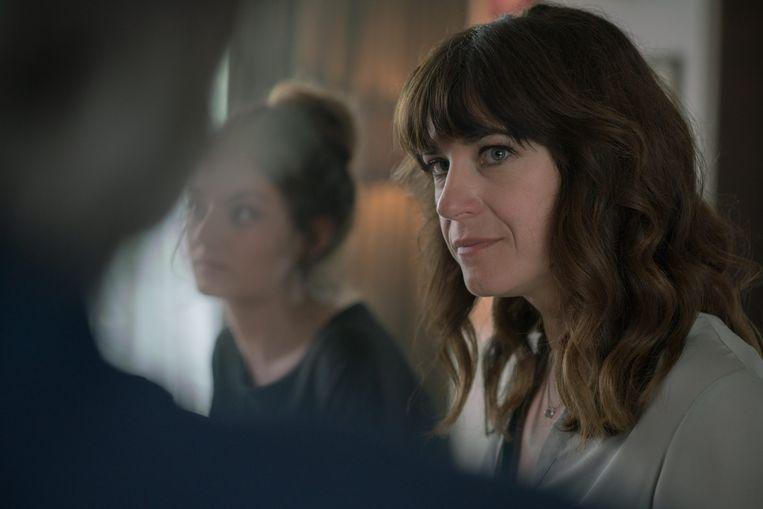 In 'Over water' zegt Marjan Michielsen – het personage van Natali Broods – zeer regelmatig: 'Dat is lief'. Beeld © VRT - Toon Aerts