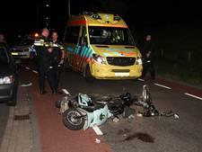 Scooter en brommer botsen in Oost-Souburg, één bestuurder vlucht