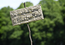 'We need to do better because black lives matter' - Demonstranten voeren actie op de Pettelaarse Schans tegen racisme. De demonstratie is ingegeven door de Black Lives Matter beweging, die wereldwijd protesteert na de dood van de zwarte Amerikaan George Floyd.