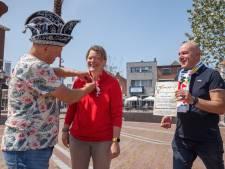 Het regent oorkonden en speldjes bij Stichting Carnaval Zevenbergen: 'Een blijk van waardering'