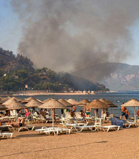 Angst en chaos heersen in Marmaris na bosbranden, kritiek op autoriteiten groeit