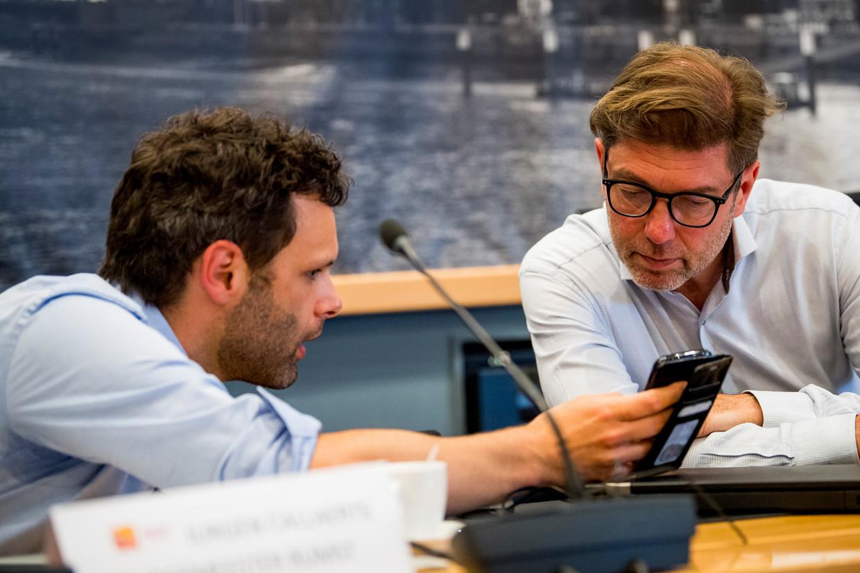 Burgemeester van Rumst Jurgen Callaerts (l) en burgemeester van Boom Jeroen Baert. Beeld BELGA