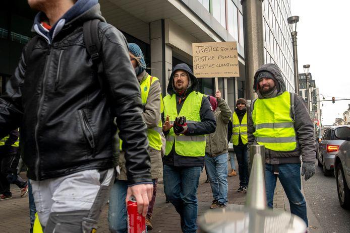 De protestbeweging van de 'Gele Hesjes' is sinds half november overal in het land aanwezig om te demonstreren voor meer koopkracht en tegen de hervormingen van de Franse regering.