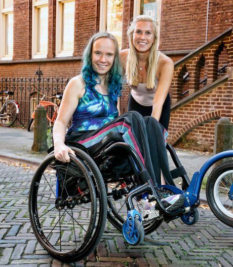 Anemoon (17) kwam anderhalf jaar geleden in een rolstoel terecht: 'Ik sport iedere dag, dat helpt tegen de pijn'
