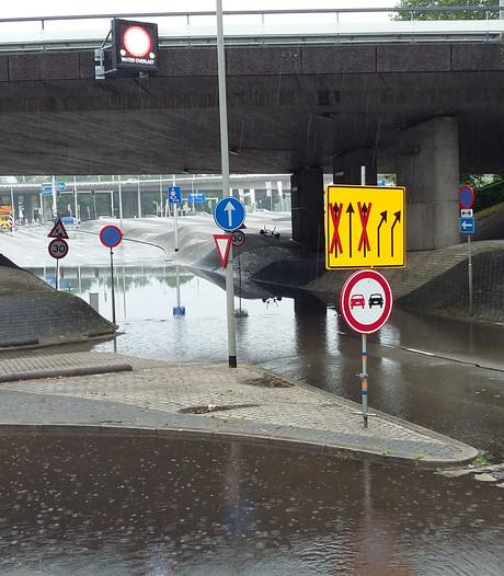 Wateroverlast door hevige regenval in Arnhem