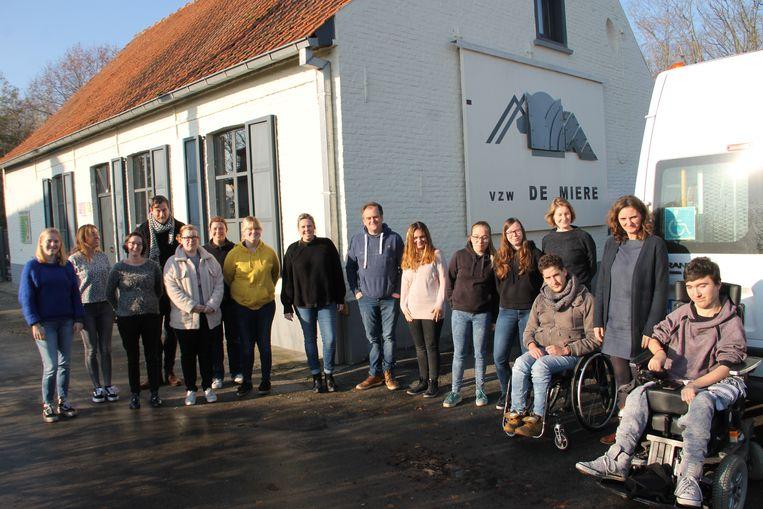 Jongeren van Dominiek Savio in Gits en BuSo de Ster in Tielt namen aan de inleefweek in jeugdverblijf De Miere in Meulebeke deel.