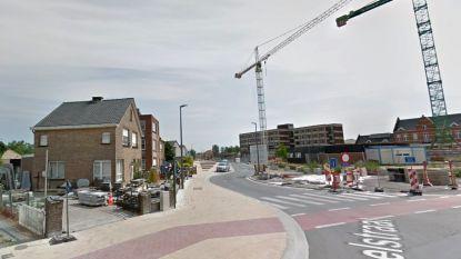 Nieuwe voetpaden en kiss-and-ridezone aan OCMW Merelbeke