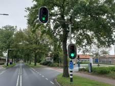 Komt er nieuw verkeerslicht bij ingang fabrieksterrein van Ten Cate aan G. van der Muelenweg in Nijverdal?