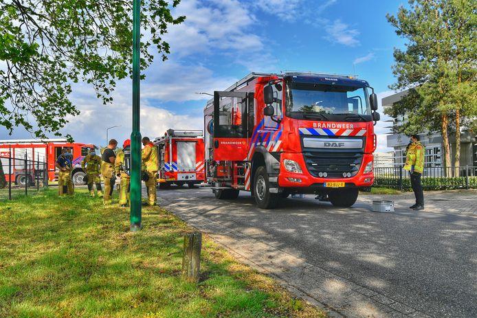 Vrachtwagen lekt 600 liter bijtende stof in Heeze.