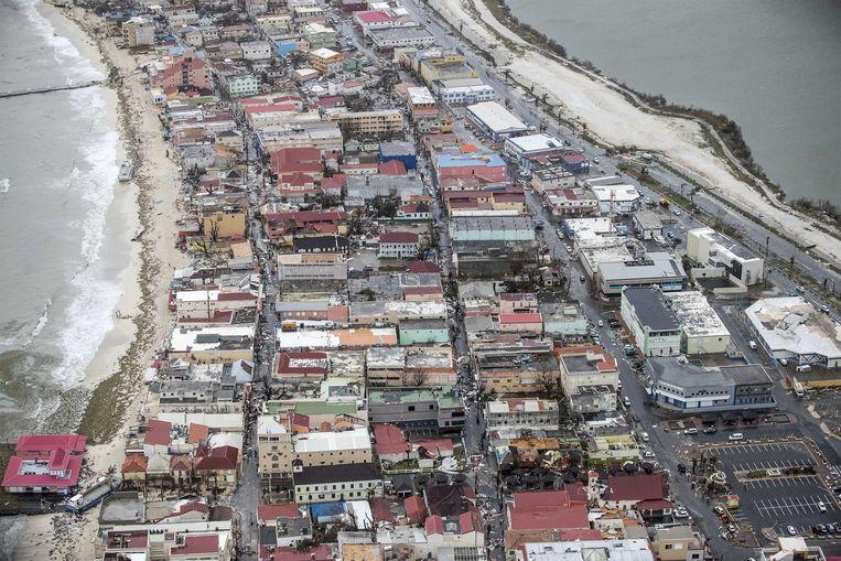 2017-09-06 22:28:13 PHILIPSBURG - Luchtfotografie van de schade op Sint-Maarten van orkaan Irma. De NH90 helikopter van Zr. Ms. Zeeland een eerste verkenningsvlucht gevlogen over de eilanden Saba, Sint Eustatius en Sint Maarten. ANP HANDOUTS MINISTERIE VAN DEFENSIE / GERBEN VAN ES **NO ARCHIVE, NO SALE, EDITORIAL USE ONLY** Beeld ANP Handouts