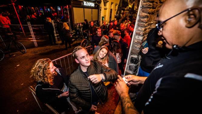 Polsbandje per stapavond in Arnhem verder omarmd: 'Het gebruik gaat zeker groeien'