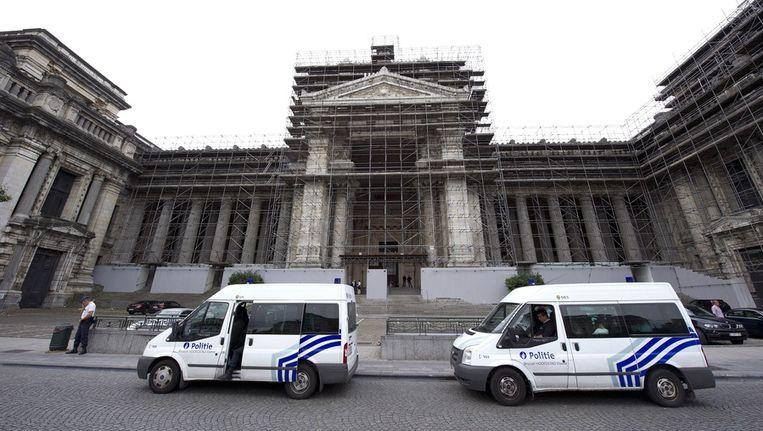 Politie bewaking voor het gerechtshof in Brussel Beeld ANP