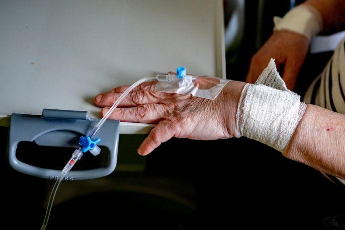 Corona treft vooral ouderen in verpleeghuizen. (archieffoto)