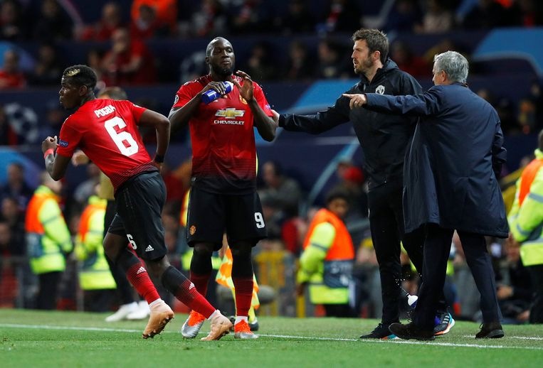 Carrick is momenteel assistent-trainer van Mourinho bij Man United.